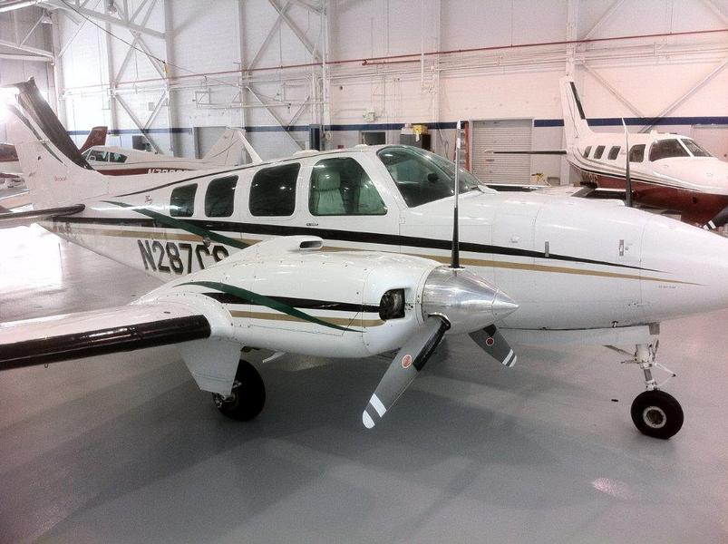 Beechcraft Baron 58 Default